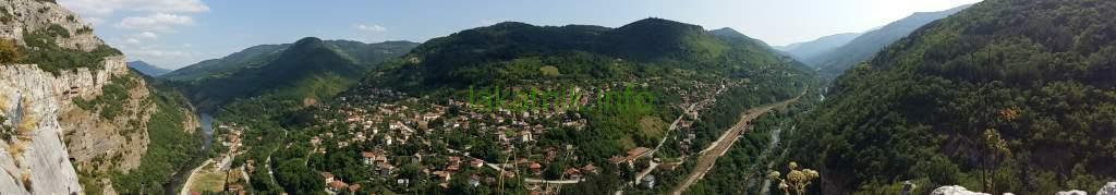 Панорамен изглед към село Гара Лакатник, снимка: admin